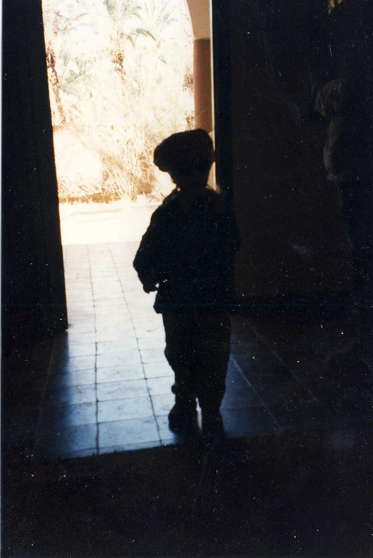 Kind in einer Oase